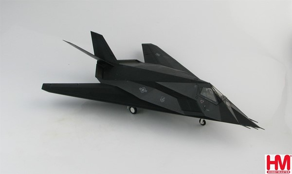 "Bild von F-117A Nighthawk ""Operation Allied Force"" Metallmodell 1:72 Kosovo War, 1999 Hobby Master"